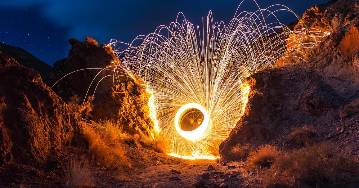 fireworks-768706_1280