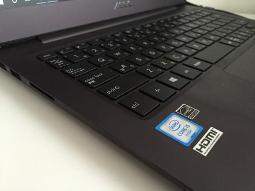 UX305UAパソコン本体
