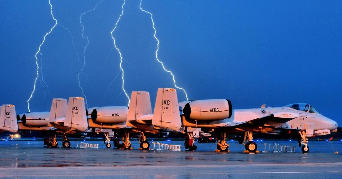 fighter-jets-1055242_1280