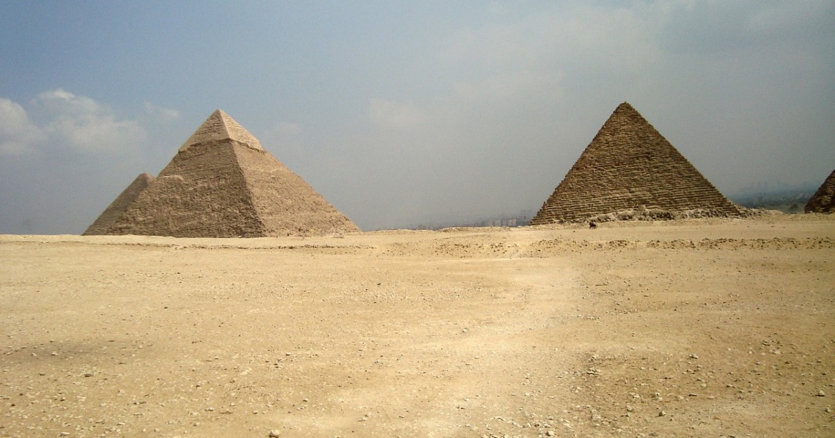 pyramids-798401_1280