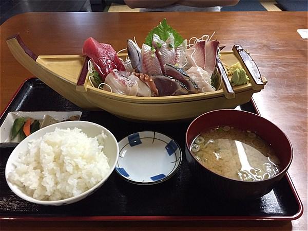三崎くろば亭地魚刺身定食-1