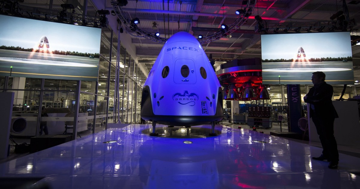 spacecraft-693221_1280